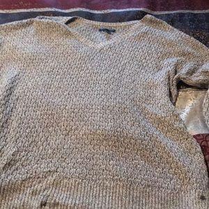 American eagle vneck sweater
